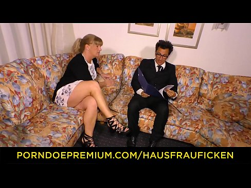 Mature german couch fucking