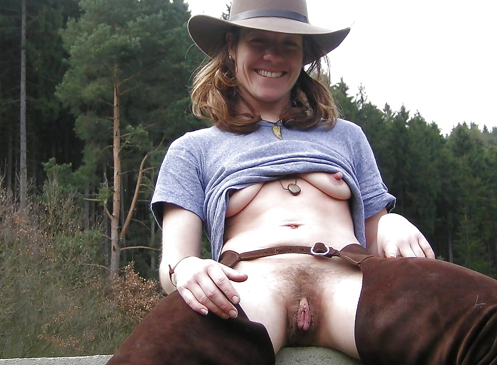 Naked mature cow girl