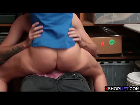 Male fucked by female
