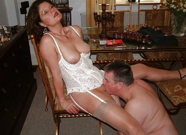 Eating mature wife pussy
