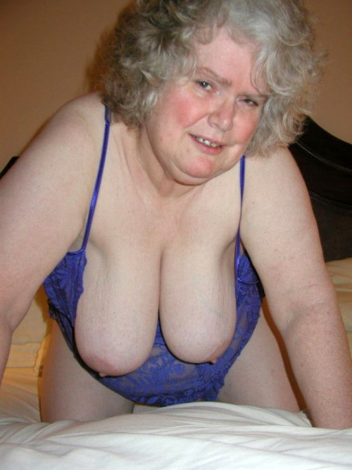 Mature busty saggy breasts photos