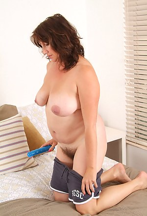 Naked moms with dildo
