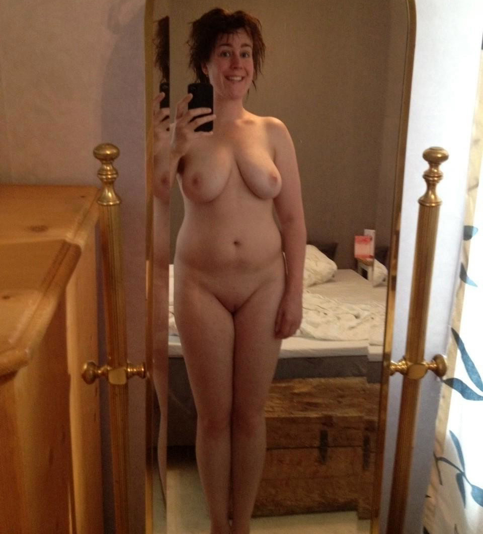 Sexy mature nude mothers selfies